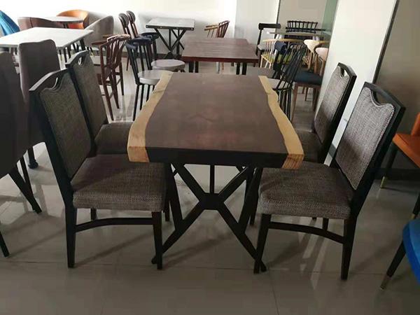 餐厅快餐桌椅