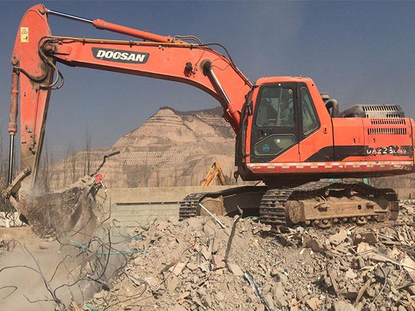 150挖掘机租赁