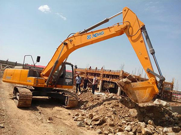 300挖掘机租赁