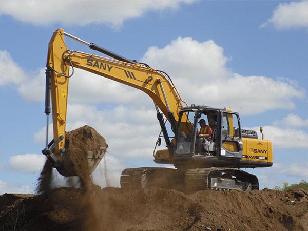 兰州225大型挖掘机租赁公司