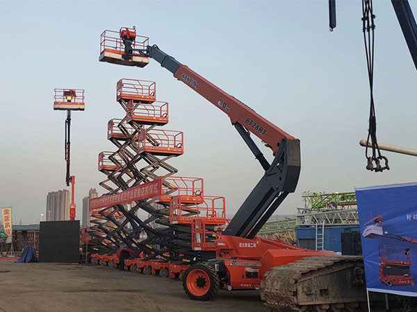 32M曲臂高空作业平台