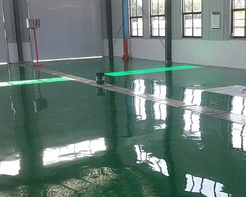 为平凉市灵台县什字镇瑞祥机动车检测站提供环氧自流平地坪漆施工