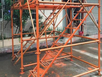 说说使用桥梁施工安全爬梯的注意事项有哪些?