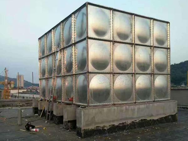 玻璃钢保温水箱