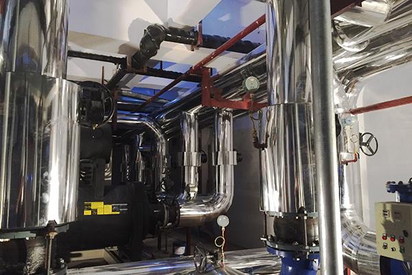 鐵皮保溫施工需要的機器設備其優勢