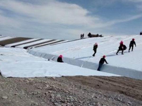兰州土工布厂家为G312张掖甘州过境段改造提供土工布土工膜