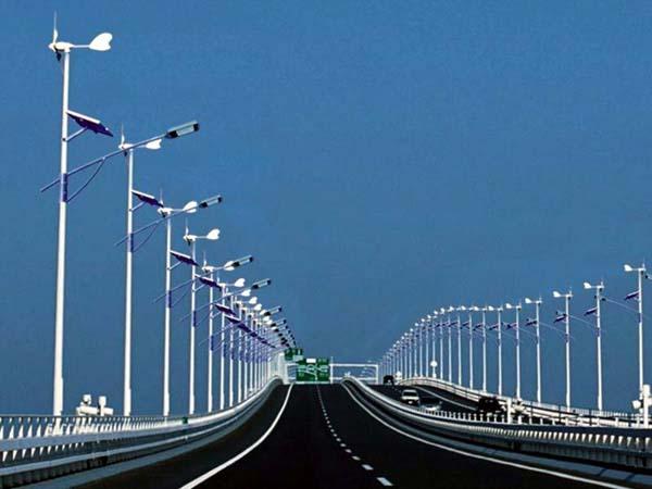 農村道路照明用太陽能路燈好,還是市電路燈好?