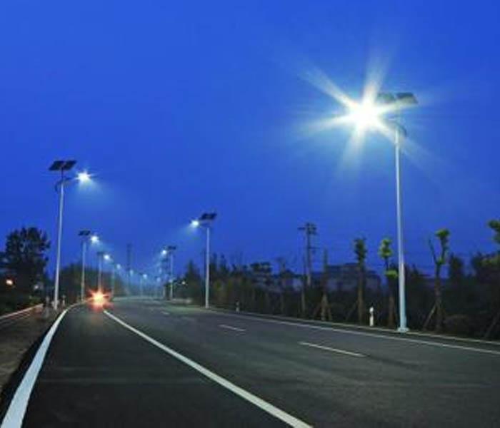 太阳能路灯与市电照明路灯安装对比
