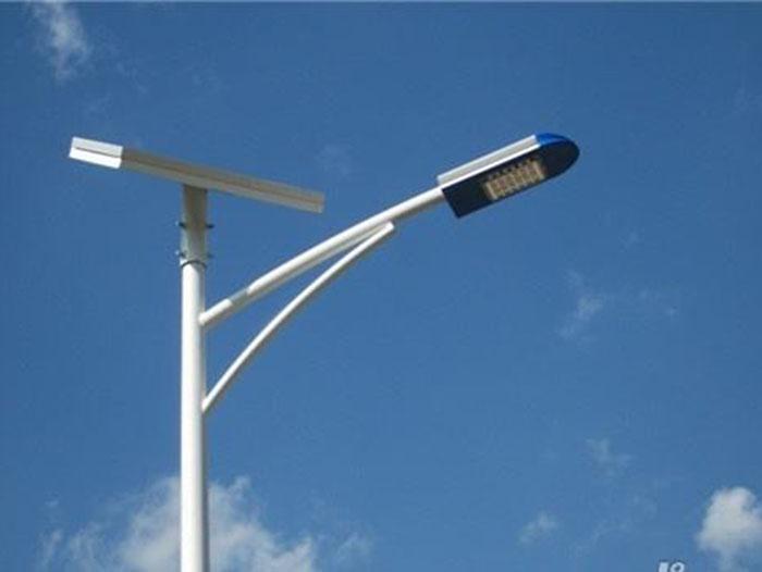 感应太阳能路灯