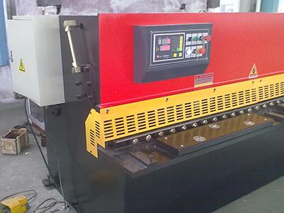 液压剪板机使用方法