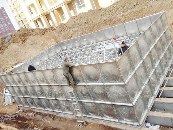 镀锌钢板水箱安装