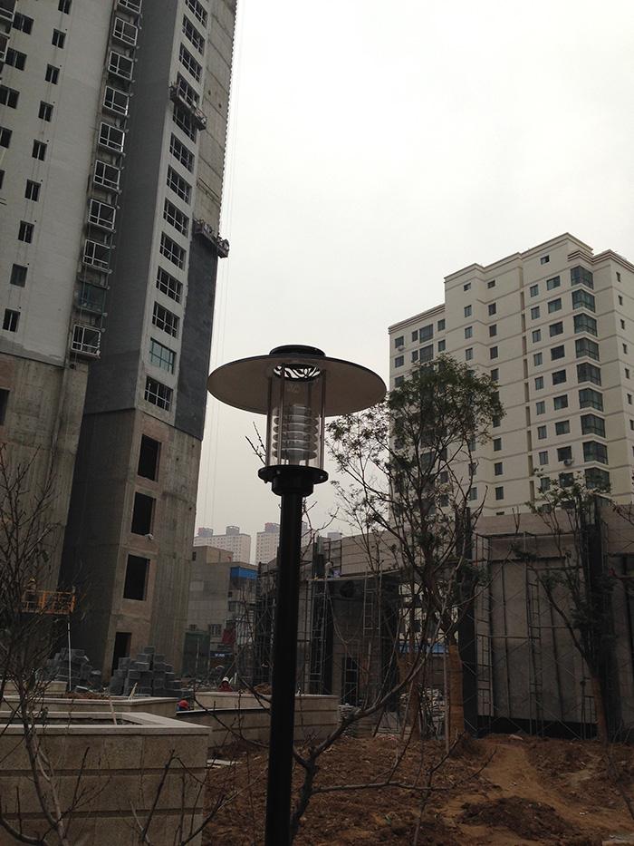 金昌某小區安裝太陽能庭院燈