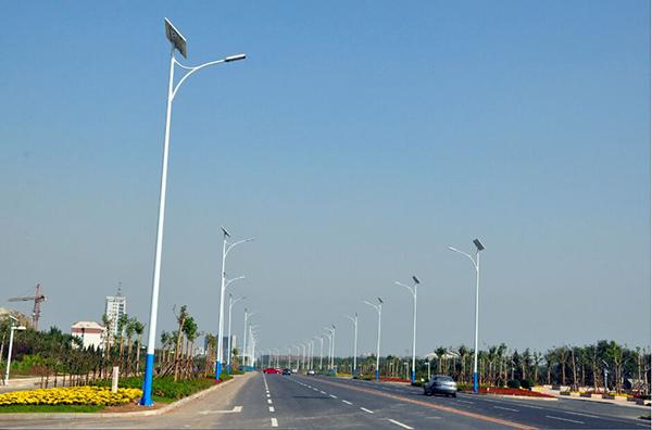 12米太阳能路灯