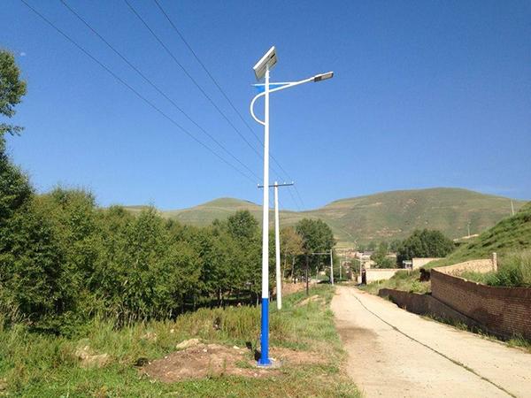 9米太阳能路灯
