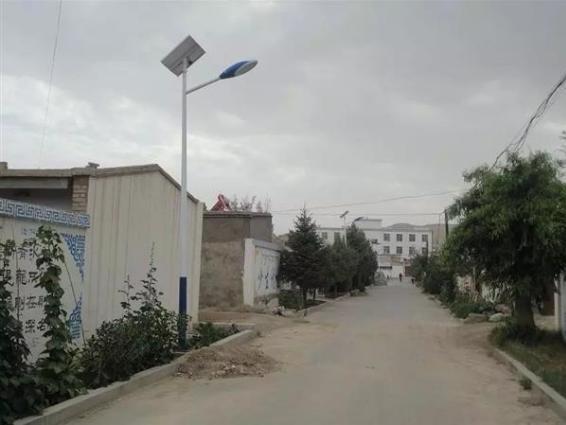 如何选购适用于新农村道路的太阳能路灯
