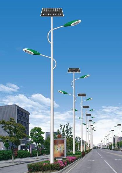 雙臂太陽能路燈