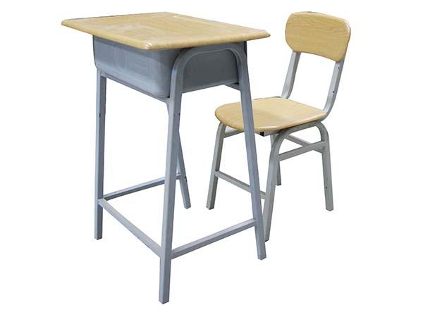 碧利华学生课桌椅