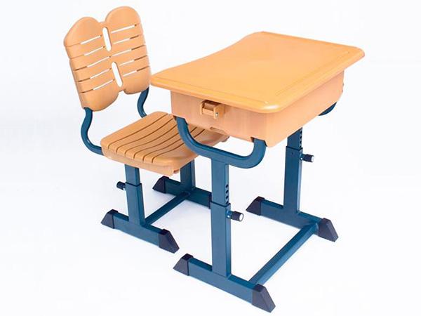 哪里德课桌椅厂家好