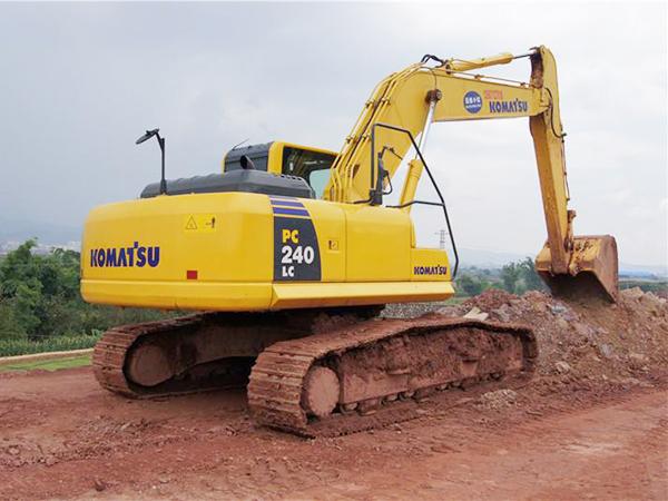 小松挖掘機憋車維修