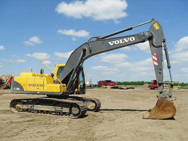 沃爾沃挖掘機210配件