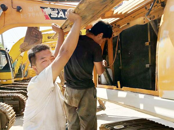 卡特挖掘機液壓泵維修