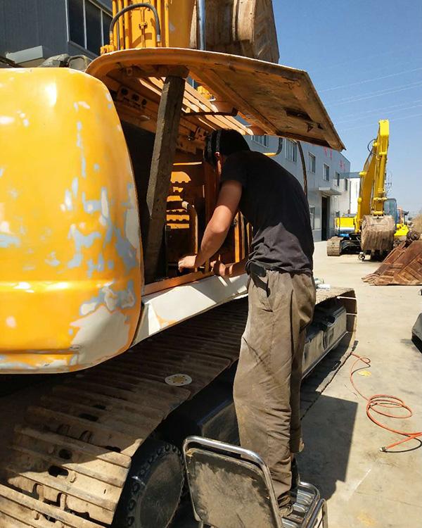 小松挖掘機維修