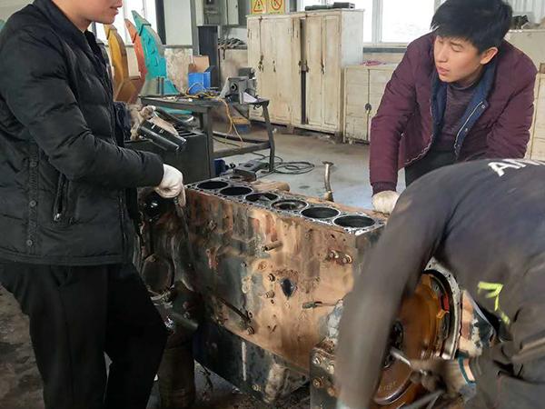 小松360-7發動機維修