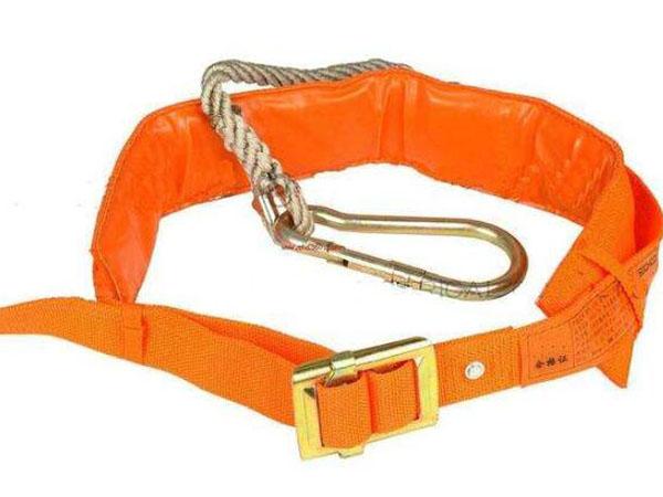 安全带防护用品使用规范