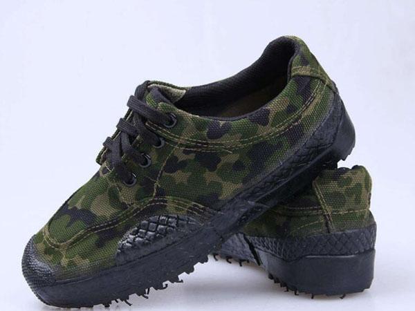 劳保鞋的生产工艺