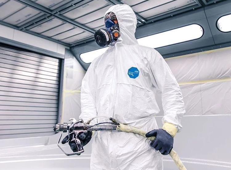天水防护服批发厂家带您了解正确穿脱防护服的重要性