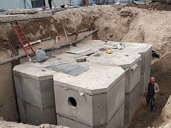 兰州新区东航水泥化粪池施工