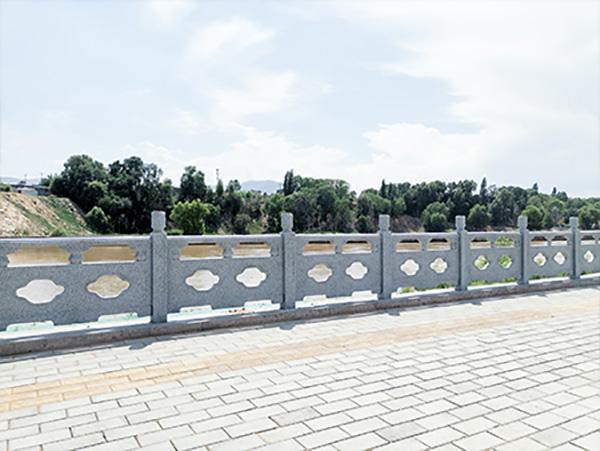 青海河道护栏厂家