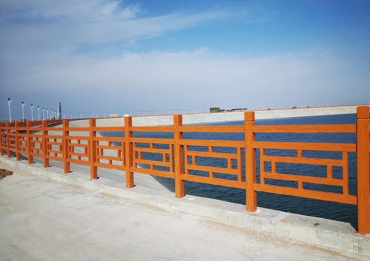 青海河道仿木护栏