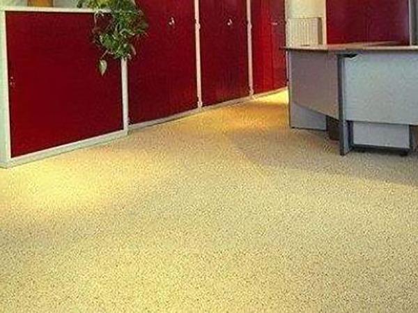 根据彩砂环氧树脂地坪漆的适用范围如何选择材料