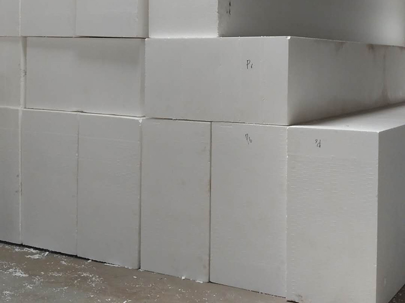 聚氨酯外墙保温板