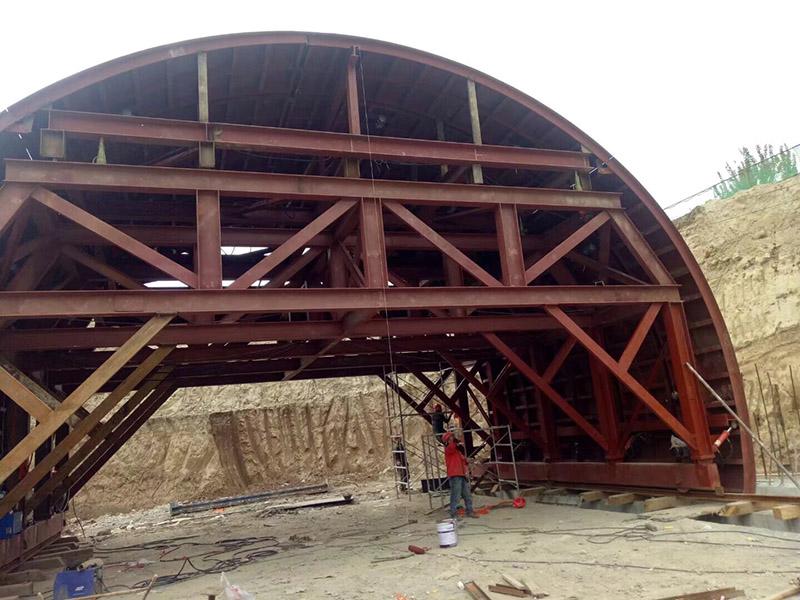 蘭州高速公路隧道鋼模臺車工程運輸設備