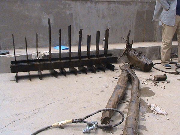 攔汙柵水下切割及雜物清算