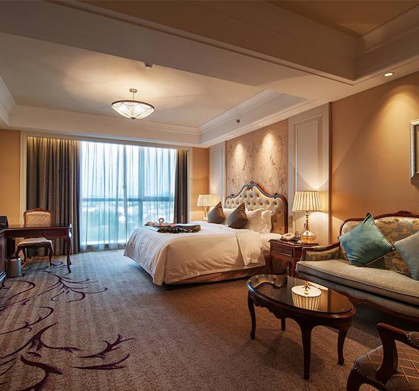 公司主营酒店装修设计、兰州ktv沙发定制、谈话室软包,是一家集定制、设计、预算、施工于一体的专业化装饰公司