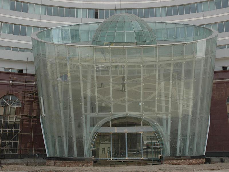 甘肃创新大厦玻璃门厅