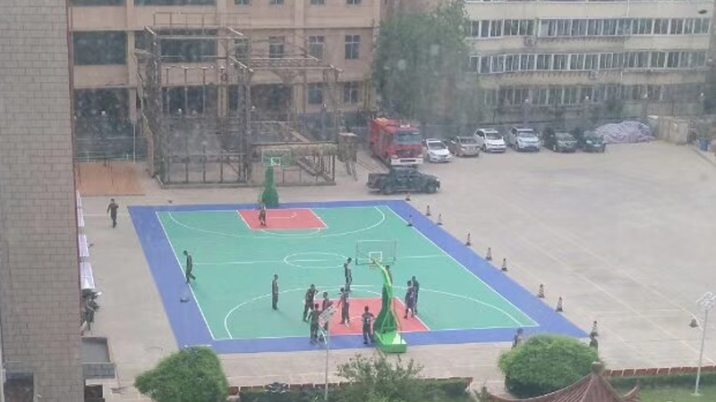 甘肃室外悬浮式篮球场