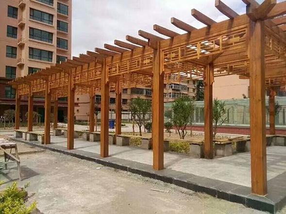甘肅某大學防腐木長廊安裝