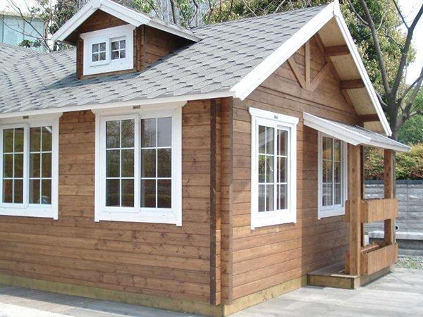 鳳山防腐木板屋與鋼構造房子比較差別在哪兒?
