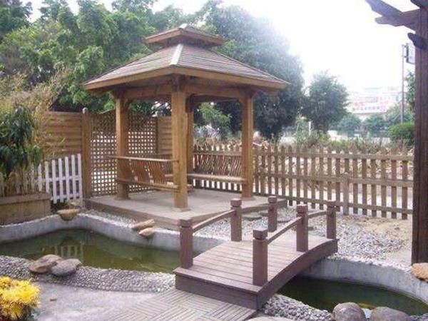 和平防腐木厂家为您分享怎样选择防腐木凉亭?