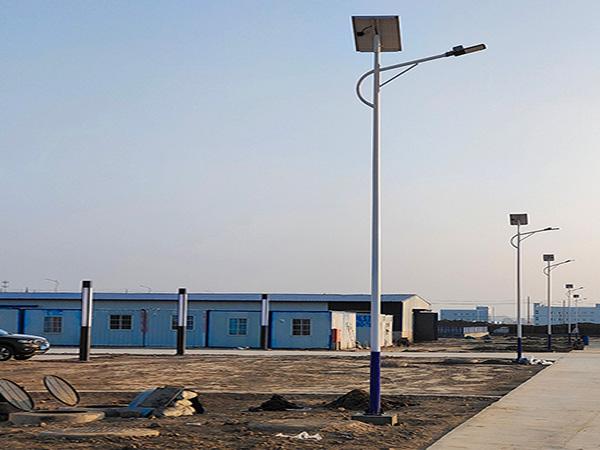 兰州新区化工厂太阳能路灯安装