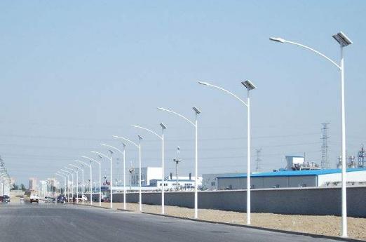 兰州太阳能路灯多少钱一套?