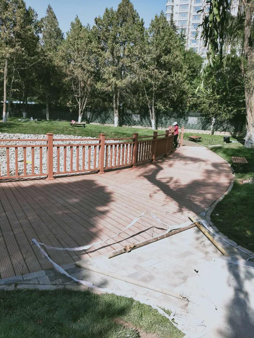 兰州西北师大防腐木地板