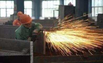 云南钢结构在焊接中会出现变形的情况,应该如何控制这种情况的发生?