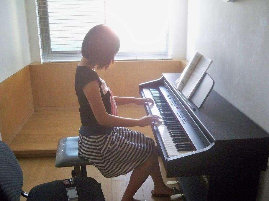 钢琴培训学校分享左手在钢琴中起的作用