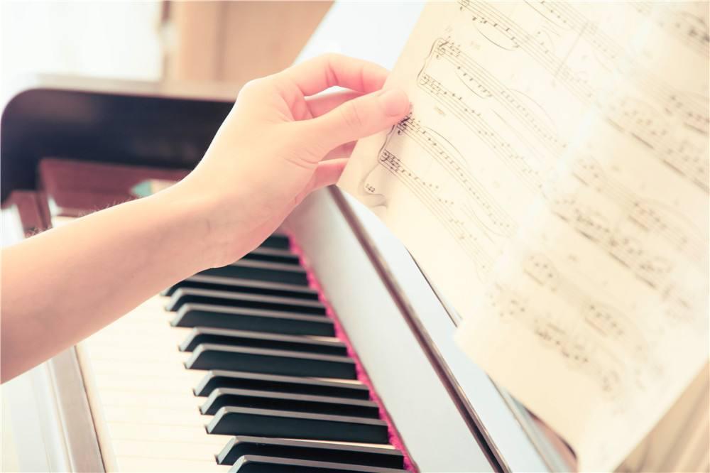 昆明钢琴培训机构哪家好?选择钢琴培训机构的注意事项