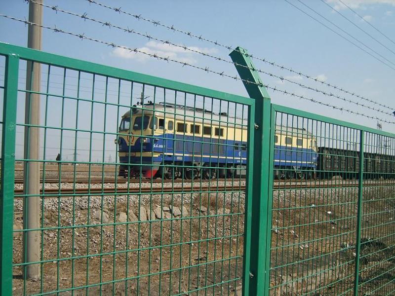 铁路护栏网